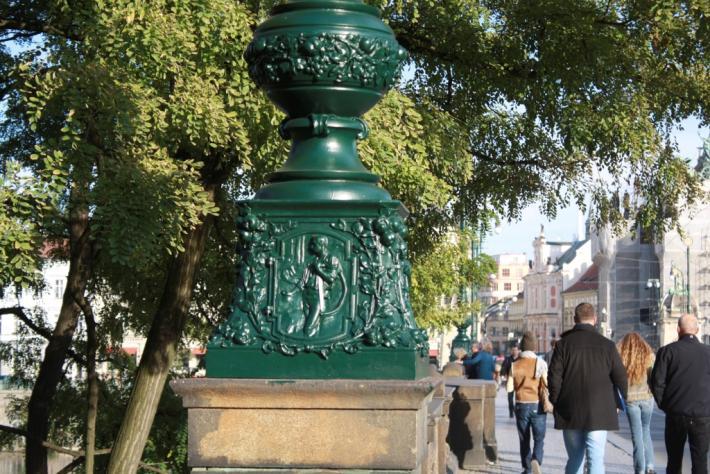 Zpráva o lampách na mostě Legií | Současný stav