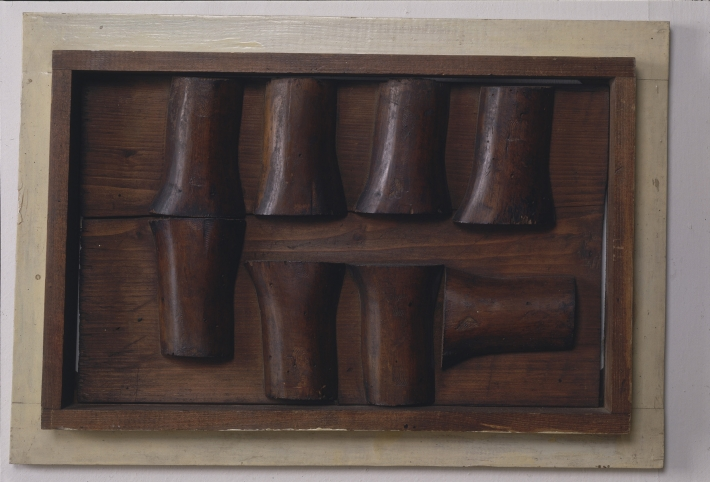 OTÁZKA / Marie Klimešová   Klouby, 1963, dřevo, 32,5 x 47,1 x 4 cm, soukromá sbírka Praha, foto Hana Hamplová