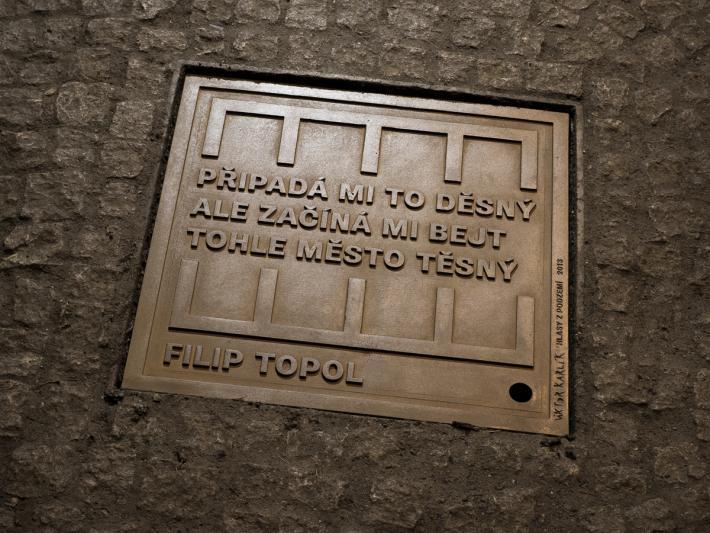 Den a noc (před padesáti lety se 12. června narodil Filip Topol) | Viktor Karlík, Hlasy z podzemí (foto Ondřej Přibyl)