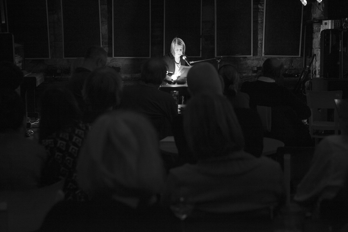 Fotoreportáž z předvánočního Večera Revolver Revue v Klubu FAMU
