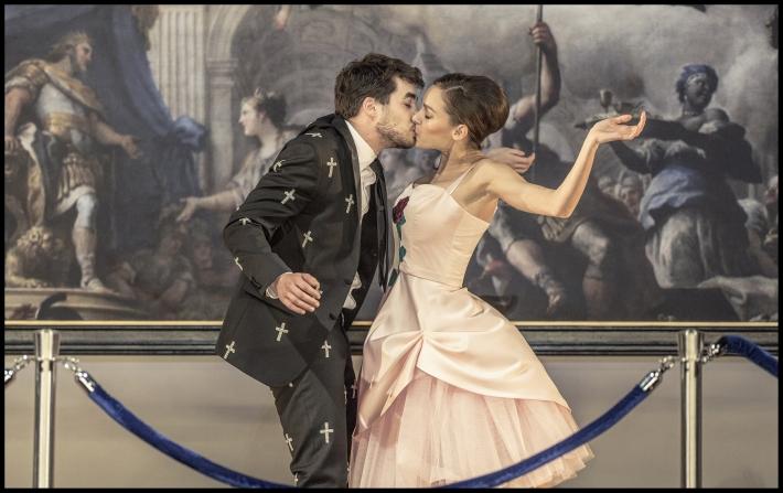 Hitovka v Národním divadle | Patrik Děrgel, Jana Pidrmanová, foto Patrik Borecký