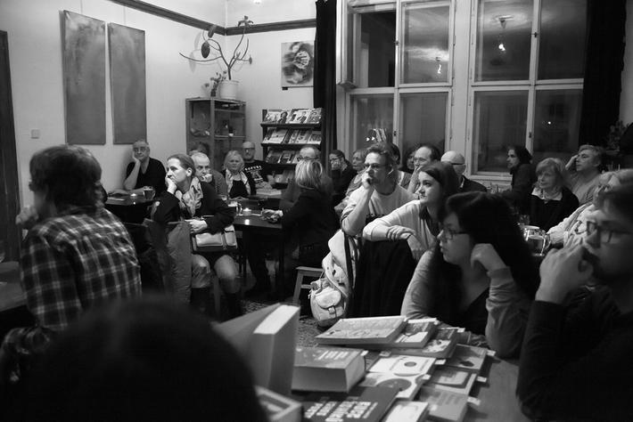 Večer s knihou RR rozhovory (řeč Marka Vajchra + fotoreportáž) | Foto © Anna-Marie Berdychová, 2017
