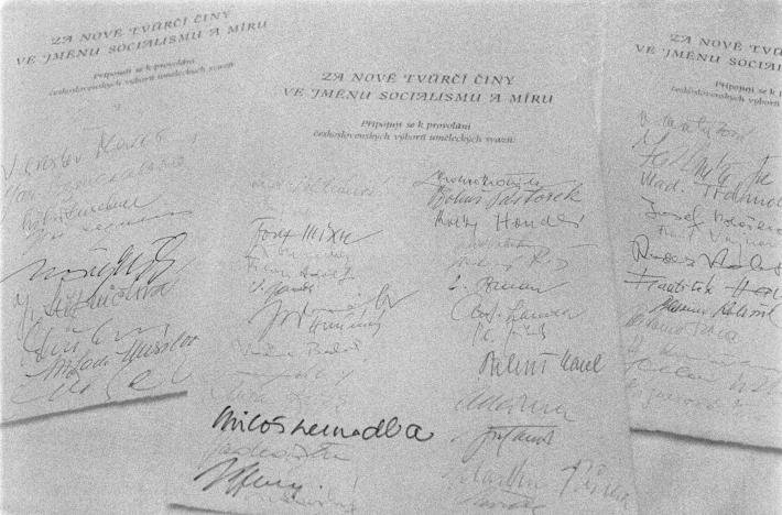 Zásadní umělecký manifest   Podpisové archy tzv. Anticharty