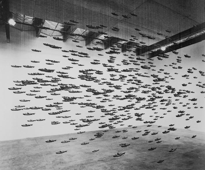 III. Omyl se vyloučit nedá | Chris BurdenVšechny ponorky Spojených států amerických1987