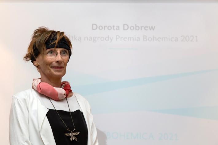 Vyrušení z nenápadnosti | Dorota Dobrew při udílení ceny Premia Bohemica, foto Pavel Němec