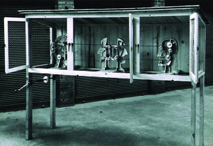 Tato víra je i pozadím roudnické výstavy (rozhovor s Duňou Slavíkovou) | Karel Nepraš, Přepadení Králíkárny, druhý odlitek 1968, 1970, foto Prague Auction s.r.o., soukromá sbírka