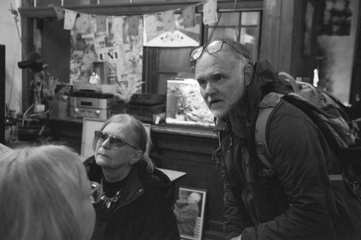 Hodně dobrý soused (Romek Hanzlík, 20. listopadu 1961 – 1. června 2019) | Romek Hanzlík a Eliška Vlasáková na Posledním večeru RR v Jindřiské, Unijazz 11. 12. 2018, foto Anna-Marie Berdychová