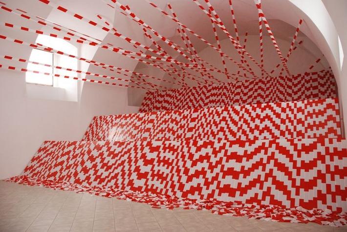 Za Alenou Potůčkovou | Výstava Ivan Kafka: Míra snesitelnosti, 2012