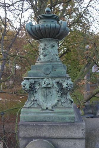 Zpráva o lampách na mostě Legií | Původní patina