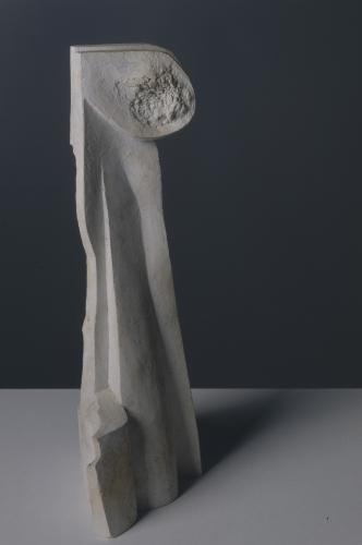 OTÁZKA / Marie Klimešová   Bez názvu, 1992, sádra, 38,2 x 18,7 x 11,5, Národní galerie v Praze, foto Hana Hamplová