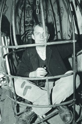 Dva rozhovory v letní Revolver Revue | Filip Topol, Buďánka, po koncertě na Opatově, 1986, foto Ludvík Hradilek