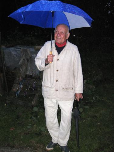 Oním nezaměnitelným způsobem (za Jindřichem Pokorným) | Jindřich Pokorný, Smilovský mlýn, léto 2009, foto Vavřinec Dudek