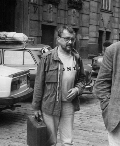 """""""Urvat, co se dá, a na vše zapomenout""""   Jan Lopatka v osmdesátých letech(foto P. Placák, detail, archiv J. Topola)"""