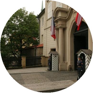 """Slavíme samostatnost, aneb jak prezidenti """"mordovali"""" Pražský hrad"""